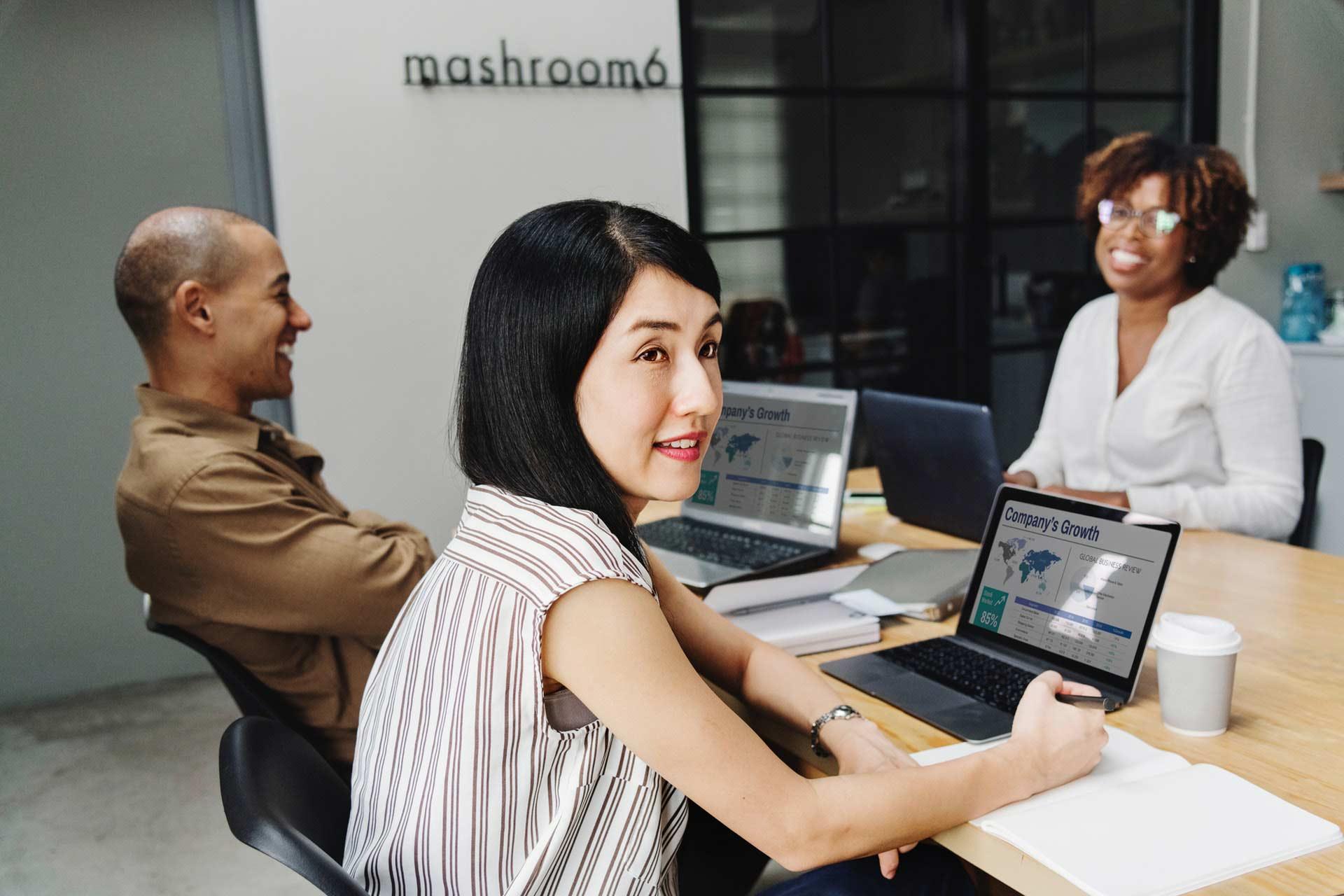 beautiful-brainstorming-business-1136757
